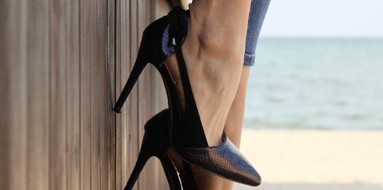black hight heel shoes