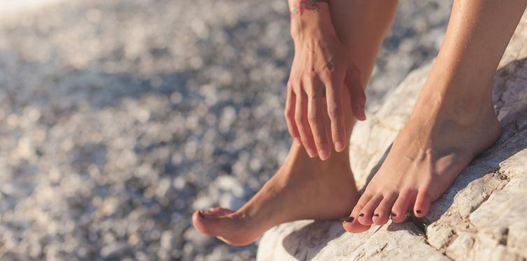feet with healthy toenails