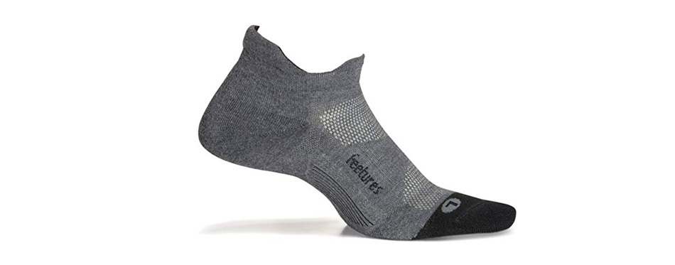 feetures athletic running socks for men and women