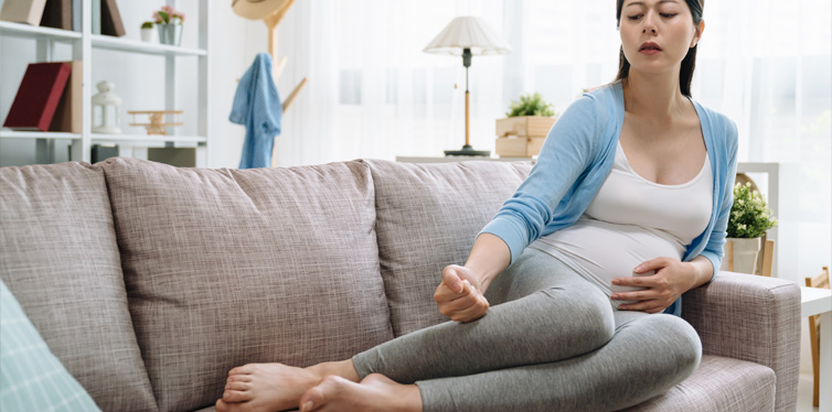How-To-Care-For-Your-Feet-During-Pregnancy