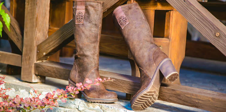 How To Distress Leather And Suede Boots