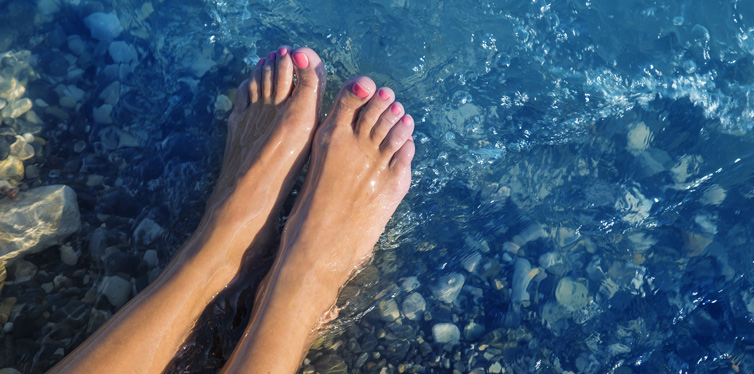 Top-Tips-To-Keep-Your-Feet-Cool-In-The-Summer