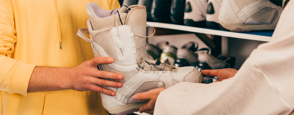 storing ski boots