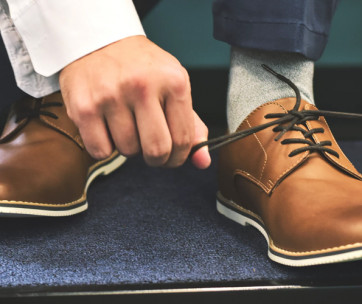 10 different ways to tie your shoe laces