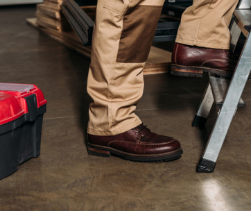 10 tips on how to make your work boots last longer