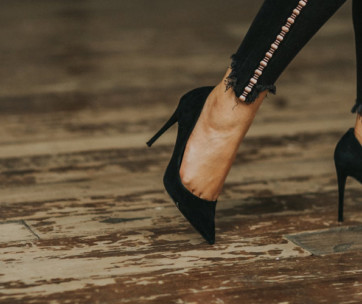 10 ways to reduce pain when wearing high heels