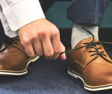 5 super easy ways to remove creases out of leather shoes & boots