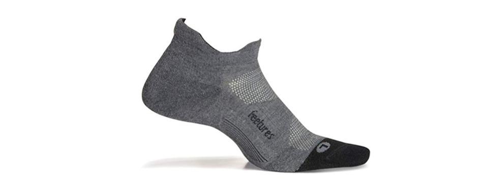feetures athletic running socks for men and women