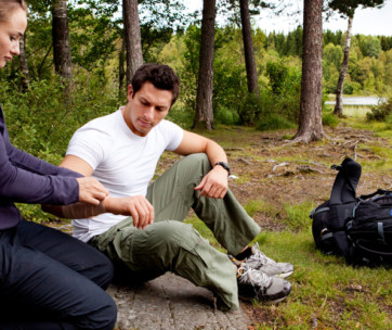 guide to first aid when hiking