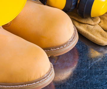 here's 8 reasons why you should wear safety shoes