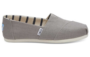 toms women's classic canvas slipon